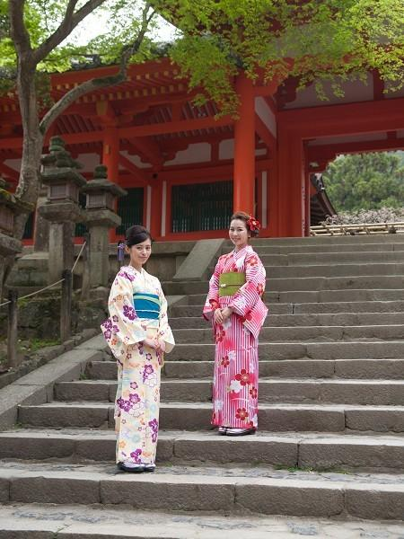 Kimono Experience!! Leisurely Stroll in Nara town or Photo shoot at the studio