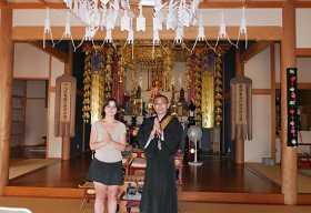 吉野のお寺に泊まって、ご住職のお話と、季節のおすしづくり
